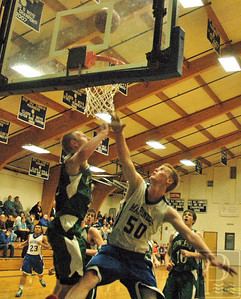ia_p1_dishs_boys_basketball_stuart_121213