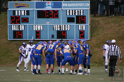 cp_web_mma_football_huddle_112113